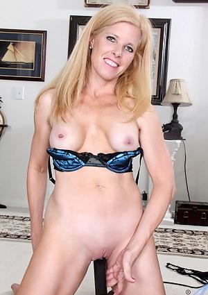 MILF Fetish Porn Pictures